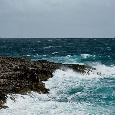 Italy-stormy-sea-l